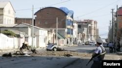 На месте теракта в Махачкале, 22 сентября 2011