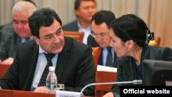Батукаев иши боюнча вице-премьер-министр Шамил Атаханов гана өз каалоосу менен кызматтан кеткен.