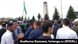 Митинг против договора о границе с Чечней. Магас, Ингушетия.