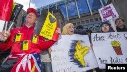 Брюссельдегі терроризмге қарсы маршқа қатысушылар. Бельгия, 17 сәуір 2016 жыл.