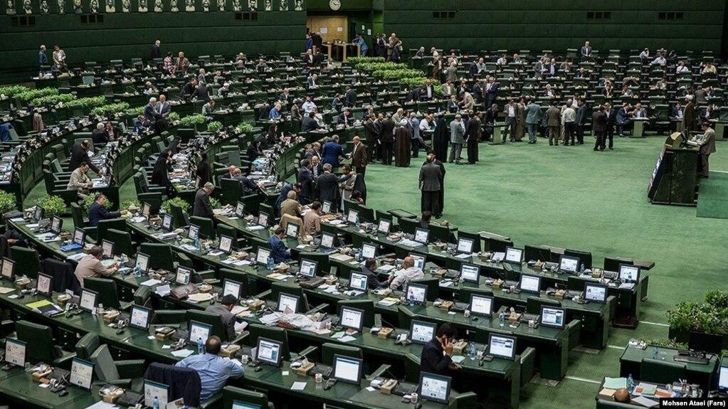 نماینده مجلس ایران: یک مقام بسیار مهم و تراز بالا تابعیت بریتانیا دارد