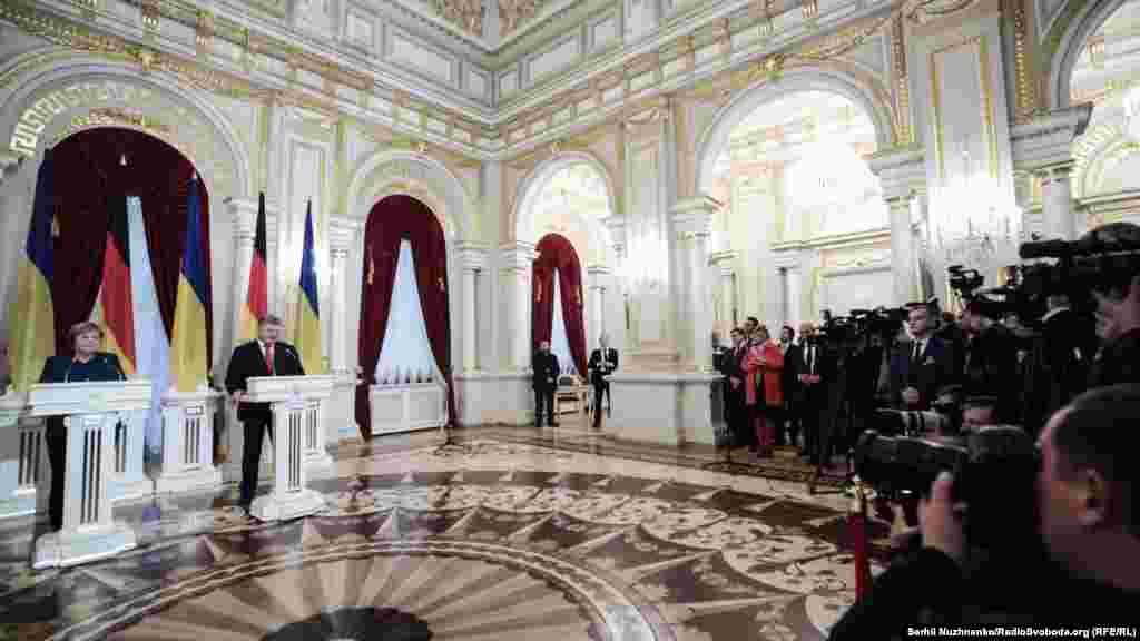 Після зустрічі голови двох країн виступили перед представниками ЗМІ