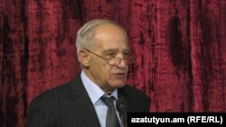 Հայաստանի ճարտարապետների միության նախագահ Մկրտիչ Մինասյանը, արխիվ: