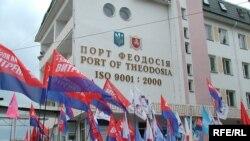 Антирекламу Крыму в этом году сделали российские телеканалы, активно освещавшие антинатовские протесты на полуострове