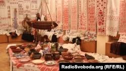 Експонати Музею українського рушника у Черкасах