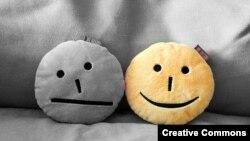 Smiling pillows, smile icon