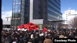 Протесты против сербско-косовских переговоров в Приштине 19 марта 2013 г.