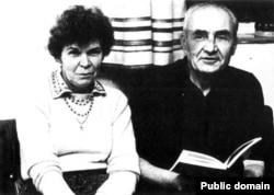 Святослав і Ніна Караванські (Ніна Строката), 1980 рік