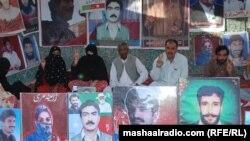 په بلوچستان کې د ورکو خلکو خپلوان په کوټه کې په یوه احتجاجي کمیپ کې ناشت له سرکاره غوښتنه لري چې د دوی خپلوان دې ورخوشي کړي