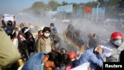 Razbijanje demonstracija podrške Aung San Suu Kyi u Mjanmaru