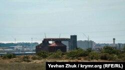 Очистные сооружения «Южные» расположены в пятистах метрах от Камышовой бухты в Гагаринском районе Севастополя