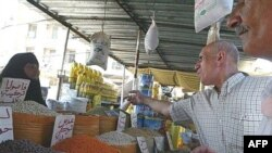 Bağdadda 400 ildir ki, fəaliyyət göstərən Şorja bazarında da çaxnaşma başlayıb