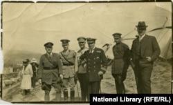 26 მაისის ღონისძიების სტუმრები. ვაკის პარკის ტერიტორია