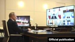 Еуразия экономикалық одағына (ЕАЭО) мүше елдердің президенттері видеоконференция өткізіп жатыр.