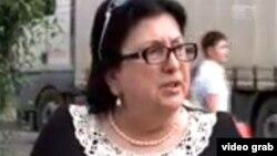 Журналист батумского телеканала «ТВ 25» Джаба Ананидзе вызвал недовольство депутата Верховного совета Аджарии от партии «Грузинская мечта» Медеи Васадзе статьей «Верховный комфорт» о результатах собственного журналистского расследования