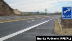 Samo u prošloj godini Tuzlanski kanton izvezao je u Srbiju robe 76 milijuna eura, najviše iz Bosne i Hercegovine (na fotografiji: autocesta, arhivska fotografija)
