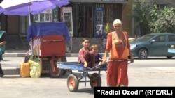 Эльмира Теганова раньше работала арбакешом на рынке