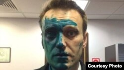 Aleksei Navalny after being attacked with green dye on April 27