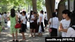 Uzbekistan - university entrants in Tashkent
