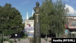 Суворовның шәһәр үзәгендәге сыны