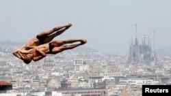 Мексиканские прыгуны в воду Иван Гарсия и Герман Санчес на чемпионате мира по водным видам спорта в Барселоне