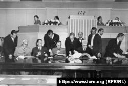 Дипломатична конференція в Женеві, 1949 року. J. CADOUX/ICRC ARCHIVES. Фото з архіву Міжнародного комітету Червоного Хреста