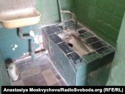 «Зручності» без права на приватність (Роменська колонія)