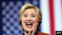 Хиллари Клинтон во время встречи с избирателями