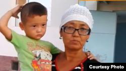Айнагуль Калжанова, многодетная мать. Село Жетыбай Мангистауской области, 17 августа 2015 года.