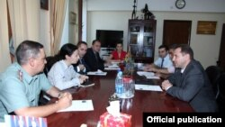 Armenia - Deputy Defense Minister Davit Tonoyan (R) meets with Dragana Rankovic, head of the Yerevan office of the International Committee of the Red Cross (ICRC), Yerevan, 15Aug2013.