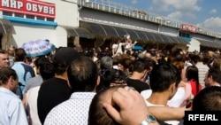 Работавшие на Черкизовском рынке добиваются внимания президента