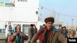 1990-й год. Армянские беженцы в Бакинском порту