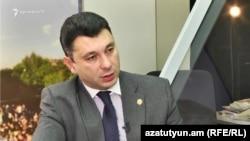 Пресс-секретарь правящей партии, вице-спикер Национального собрания Армении Эдуард Шармазанов (архив)
