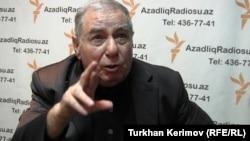 Известный азербайджанский писатель Акрам Айлисли.