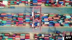 بندر چینگدائو، چین؛ تنشهای تازه بین دو اقتصاد بزرگ جهان، به نگرانیها دامن زدهاست