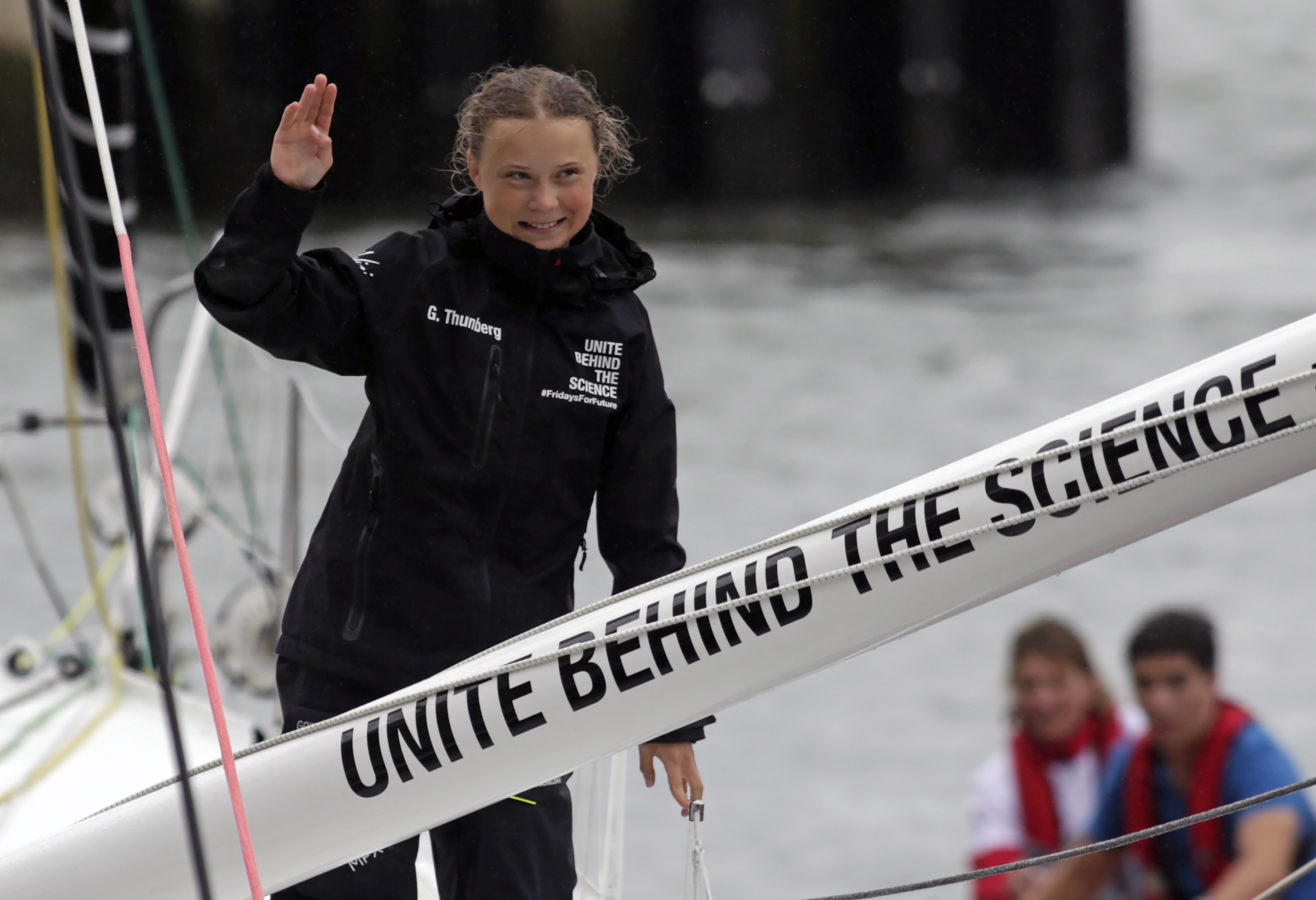 16 жастағы экобелсенді Грета Тунберг не үшін ұшақпен ұшудан бас тартты?