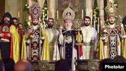 Armenia - Catholicos Garegin II (C) celebrates a Christmas mass at the Echmiadzin cathedral of the Armenian Apostolic Church, 6 January 2015.