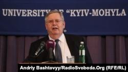 Джон Теффт АҚШ-тың Украинадағы елшісі кезінде. Киев, 14 сәуір 2012 жыл.
