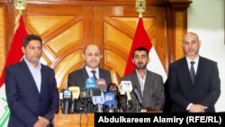 محافظ البصرة ماجد النصراوي الثاني من اليسار