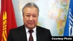 Директор Агентства гражданской авиации Курманбек Акышев.
