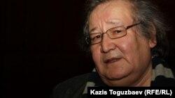 Театр режиссері Болат Атабаевтың бостандықта жүрген кезі. Алматы, 14 наурыз 2012 жыл.