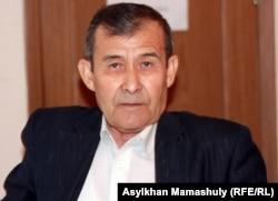 Есжан Темиров, отец и общественный защитник подсудимого Женисбека Темирова. Актау, 25 апреля 2012 года.