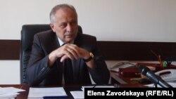 Министр труда, занятости и социального обеспечения Абхазии Сурен Керселян говорит, что объемы работы по учету пенсионеров превышают возможности абхазских отделений, и попросил население учитывать этот фактор