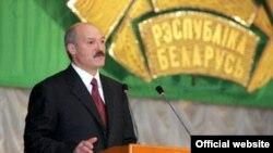 Президент Белоруссии Александр Лукашенко предупреждает