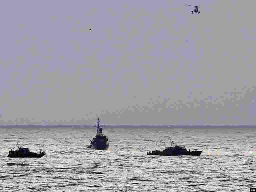 В Средиземном море потерпел крушение самолет Ethiopian Airlines, совершавший рейс по маршруту Бейрут—Аддис-Абеба. На борту находились, по разным оценкам, 91 или 92 человека, в том числе одна гражданка России