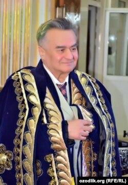 Шоир Мурод Раҳмон