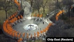 "11 февруари 2005. ""Портите"" на Кристо и Жан-Клод в Сентрал парк, Ню Йорк"