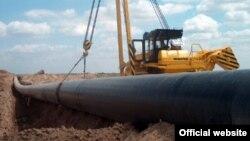 Energiýa ekspertleri Türkmenistanyň esasy meselesiniň tebigy resurslaryny ýerlemekden ybaratdygyna ünsi çekýärler.
