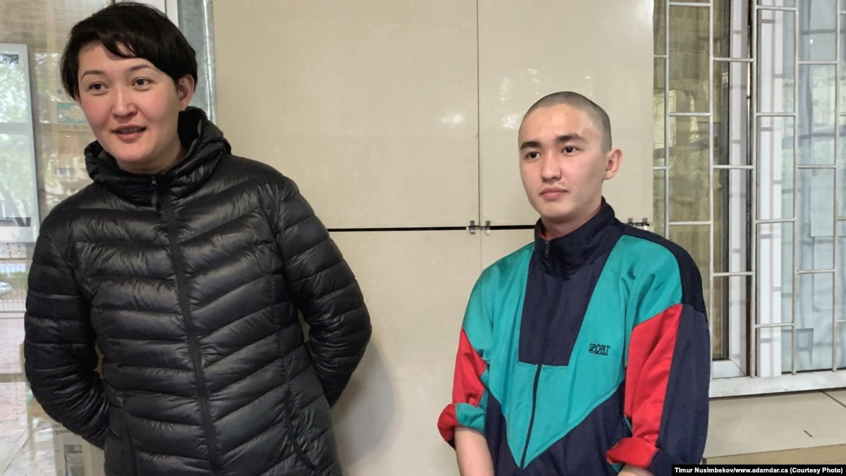 Two Kazakh Activists Jailed For Democracy Banner Released A Day Early