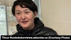 Асия Тулесова в суде, где ей вменяют «нарушение законодательства о проведении митингов». Алматы, 21 апреля 2019 года.